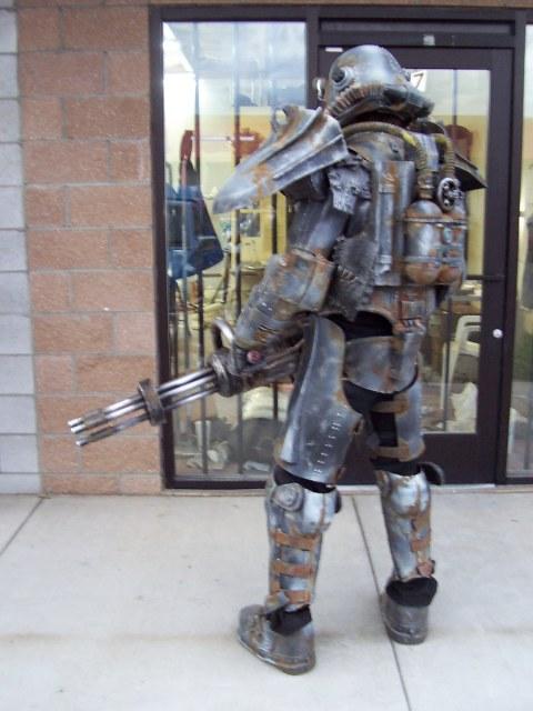 Cosplay de Fallout 3 Brotherhood-of-steel-complete-4